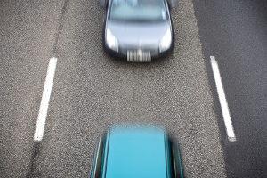 Einer Abstandsmessung können hohe Bußgelder folgen.