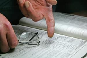 Ein Formular für die Abtretungserklärung an die Versicherung hat die Kfz-Werkstatt parat.