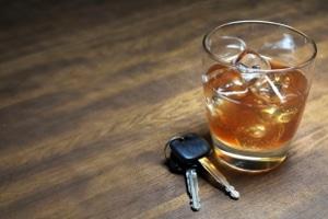 Die Behörden können ein ärztliches Gutachten auch wegen Drogen und Alkohol verlangen.