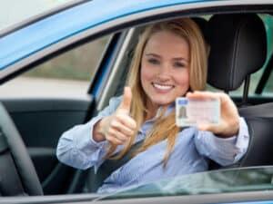 Seit der Reform von 2013 gibt es 16 aktuelle Führerscheinklassen.