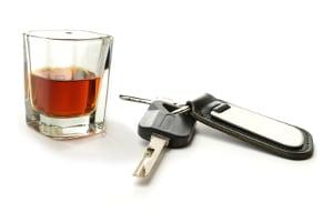 Alkohol ist auch nach der Probezeit für unter 21-Jährige verboten.
