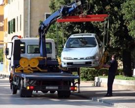 Ansprüche nach einem Verkehrsunfall können auch Abschleppkosten sein.