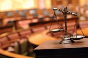 Ein Anwalt für Verkehrsrecht muss eine entsprechende Ausbildung durchlaufen.