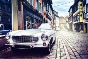 Wollen Sie ein Auto ohne Zulassung aus Deutschland ins Ausland überführen, benötigen Sie ein Ausfuhrkennzeichen.