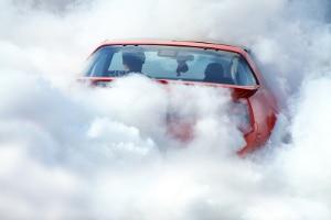 Ist das Auto abgebrannt, übernimmt die Teilkasko den Schaden.