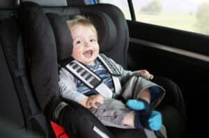 Wie auch beim Auto muss auf dem Fahrrad ein Kind in einem sicheren Sitz platziert sein