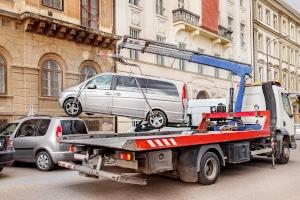 Sie haben Ihr Auto falsch geparkt und wurden abgeschleppt. Aber war das überhaupt erlaubt?