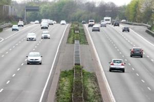 Auf der Autobahn sind in Ungarn Gebühren zu zahlen – mittels einer E-Vignette.