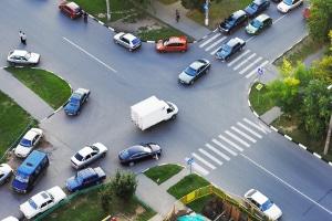 An gefährlichen Kreuzungen befinden sich oft Blitzer, die fest installiert sind.