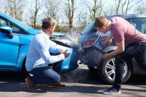 Eine häufige Form des Unfalls ist der Auffahrunfall. Welches Bußgeld wird hier fällig?