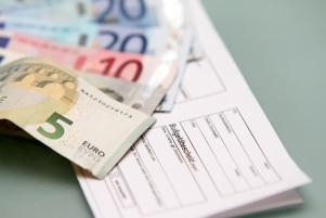 Wenn Sie einen Bußgeldbescheid nicht erhalten, dafür aber eine Mahnung, kann ein Anwalt für Verkehrsrecht helfen.