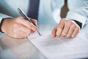 Ist es rechtens, einen Bußgeldbescheid ohne Unterschrift zu versenden?