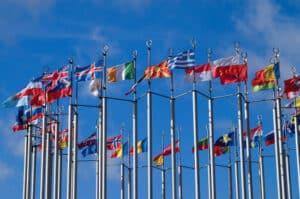 In der EU gibt es ein Abkommen, das die Verfolgung von Bußgelder aus dem Ausland regelt