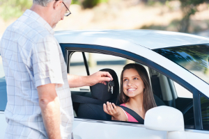 Frischgebackene Besitzer einer Fahrerlaubnis befinden sich zunächst einmal zwei Jahre lang in der Probezeit.