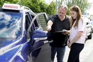 Angehende Fahrlehrer müssen einigen Voraussetzungen gerecht werden.