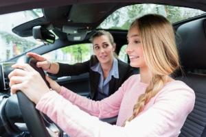 Die Fahrlehrerausbildung ist nicht ganz billig.