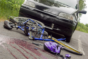 Eine Hausratversicherung schützt Ihr Fahrrad nur gegen Diebstahl. Die Vollkasko-Versicherung zahlt auch bei Unfallschäden.