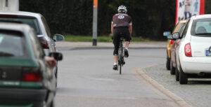 Das Fahrradlicht muss beim Rennrad nur mitgeführt, anstatt befestigt werden