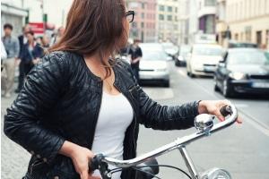 Nach einem Fahrradunfall kann das Schmerzensgeld unter gewissen Umständen gekürzt werden.