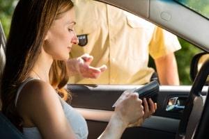 Fahrtenbuch: Wie lange Sie es führen müssen, liegt im Ermessen der Verwaltungsbehörde.
