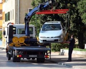 Stellt ein Fahrzeug eine Behinderung dar, wird es abgeschleppt.