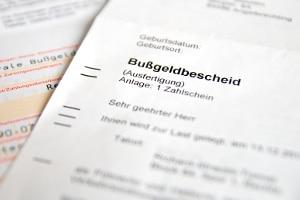 Wie kann es sein, dass ein falsches Kennzeichen im Bußgeldbescheid angegeben wurde?