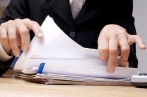Ein Formular für die Schadensmeldung bieten viele Versicherer online an.