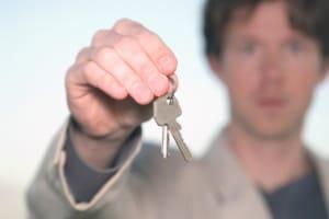 Wurde Ihnen der Führerschein entzogen, ist das neu beantragen wichtig, wenn Sie ihn wiederhaben wollen.