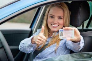 Statt dem Führerschein der Klasse 3 ist heute B für Pkw notwendig.