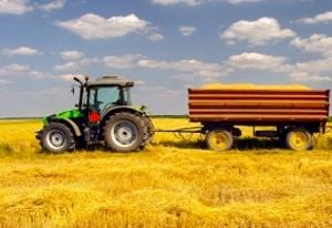 Ein Führerschein der Klasse L erlaubt das Führen von landwirtschaftlichen Zugmaschinen.