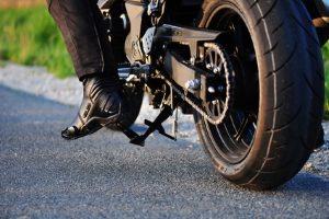 Die Führerscheinklasse 1 entspricht dem Motorradführerschein.