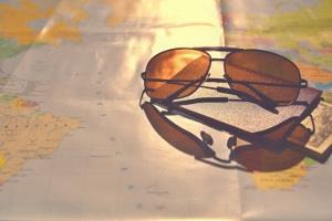 Wurden Sie geblitzt mit einer großen Sonnenbrille? Ein Einspruch kann erfolgreich sein.