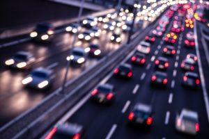Geschwindigkeitsmessgeräte sind nicht nur auf Autobahnen oft zu finden.
