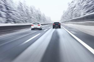 Eine Geschwindigkeitsüberschreitung wird in der Schweiz härter bestraft als in Deutschland.