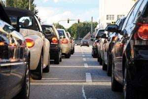 Die grüne Feinstaubplakette soll der zunehmenden Abgasbelastung in Städten entgegenwirken.