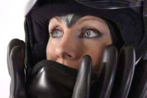 Wenn Sie den Helm abnehmen bei einem Unfall, sollte dies nur im äußersten Notfall geschehen.