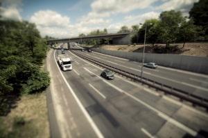 Auch auf weiten Teilen der Autobahn gibt es eine einzuhaltende Höchstgeschwindigkeit.