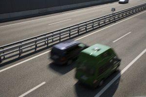 Auch auf der Bundesstraße muss die Höchstgeschwindigkeit beachtet werden.