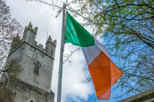 Wer in Irland Verstöße im Verkehr begeht, muss mit Bußgeldern rechnen.