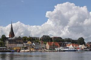 In Flensburg ist das Kraftfahrt-Bundesamt, das die ABE in Deutschland ausstellt.