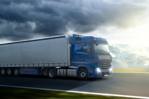 Ein Kurzzeitkennzeichen kann auch für einen LKW beantragt werden.