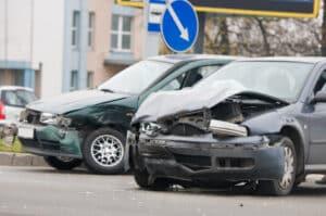 Verursachen Sie mit Ihrem Leihwagen einen Unfall, sollten Sie die Polizei verständigen.