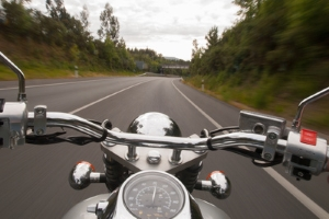 Auch vermeintlich kleine Änderungen wie ein Lenkerumbau am Motorrad sind eintragungspflichtig.