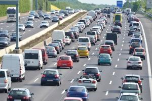Gibt es eine Mindestgeschwindigkeit auf der Autobahn in Deutschland?