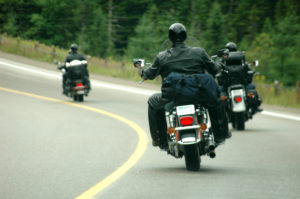 Eine Geschwindigkeitsübertretung mit dem Motorrad per Blitzer zu erwischen, ist schwierig.