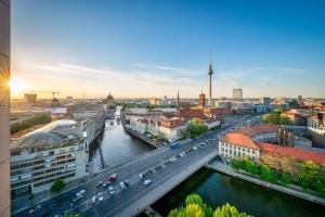 Parkzonen in Berlin, Aachen oder Nürnberg: Nicht nur, aber vorrangig in Großstädten gibt es die Parkraumbewirtschaftung.