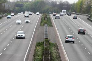 Die PKW-Maut gilt auf allen deutschen Bundesverkehrsstraßen - auf Autobahnen jedoch nur für Ausländer.