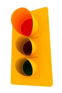 Qualifizierter Rotlichtverstoß: Mit einem Bußgeld ist es nicht getan. Hinzu kommen Punkte und ein Fahrverbot.