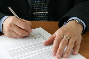 Für den Rechtsanwalt (RA) fallen ebenfalls Gebühren im Bußgeldverfahren an.