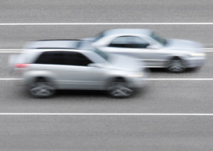 Eine Radaranlage ist für die Erfassung von Geschwindigkeitsverstößen zuständig.